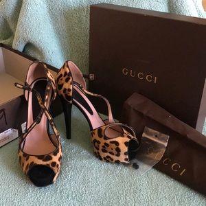 GUCCI Leopard Heels - Size 39 - STEAL $350